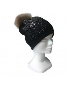 Winter black hat with stones